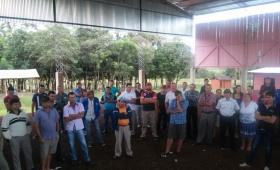 Yerbateros se reúnen en San Vicente y solicitan la presencia de funcionarios