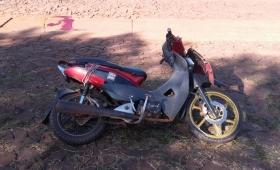 Motociclista falleció tras un despiste