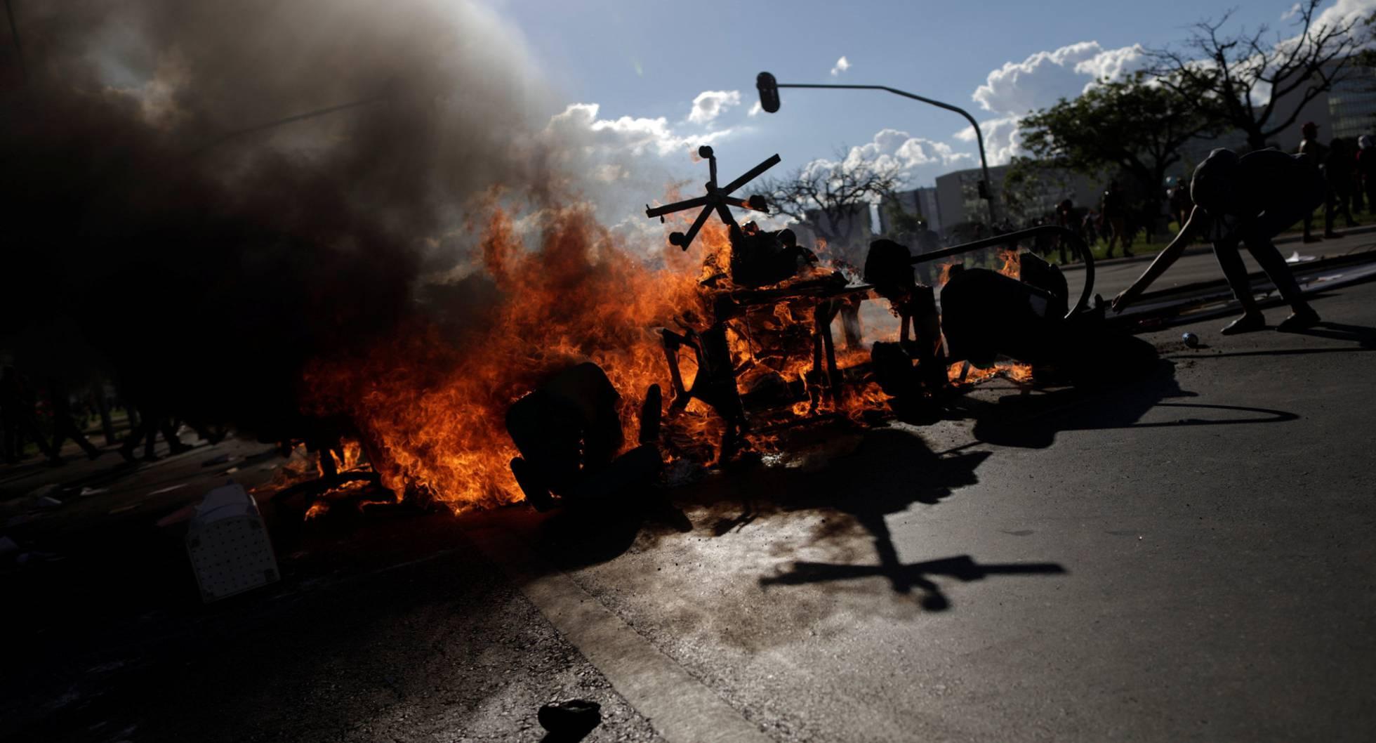 Temer ordena reprimir masivas protestas — Arde Brasil