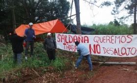 Desalojaron a trabajadores despedidos de Guatambú