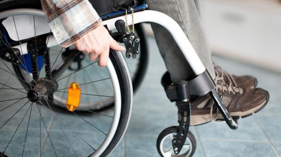 Corrieron una carrera en sillas de ruedas en reclamo de accesibilidad