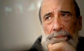 """Raúl Zurita: """"La poesía ha caído en un autismo que solo habla del yo"""""""