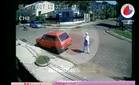 Brutal ataque de motochorros a una anciana