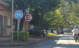 Ciclistas contra las motosendas