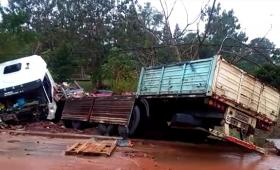 Espectacular despiste de un camión