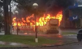 Se incendió un colectivo en 9 de Julio
