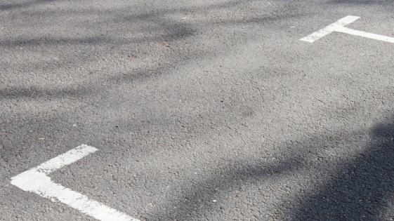 Tratarán la implementación de cuadrículas de estacionamiento para motos