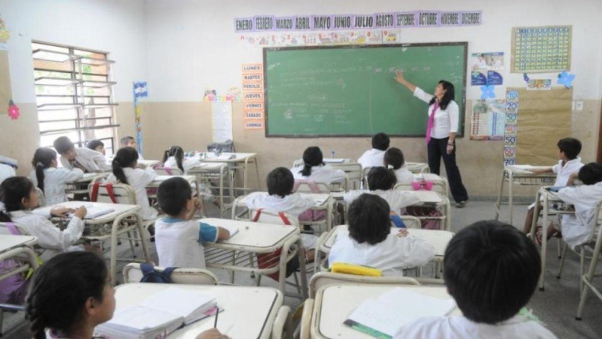 Confirman la suspensión del fallo a favor de las paritarias docentes nacionales