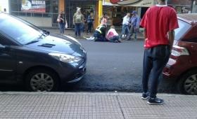 Se desvaneció en la calle y lo trasladaron en taxi
