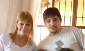 Hijo de funcionaria reside en Brasil y cobra como docente
