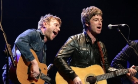 Noel Gallagher tocó con Damon Albarn y Liam estalló de bronca