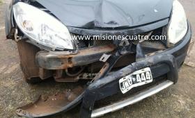 Insólito: llevó el auto al lavadero y se lo chocaron