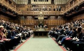 Noventa cuentas de email fueron afectadas por el hackeo al Parlamento británico