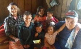 Adultos mayores quedaron a cargo de seis nietos