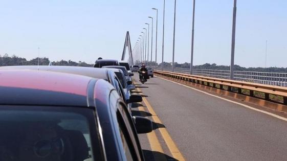 Raptan a joven en el puente internacional