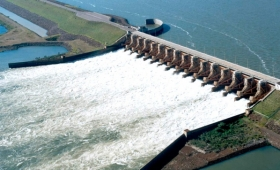 Avanzan estudios para construir una represa en el Paraná