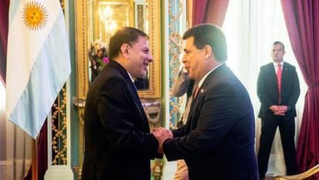 Desplazaron al embajador argentino en Paraguay — Gesto para Carrió