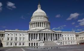 EE.UU: media sanción en el Congreso para construir el muro