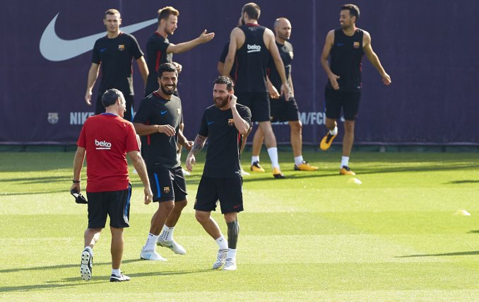 A la sombra de Messi, Neymar no está cómodo en el Barcelona