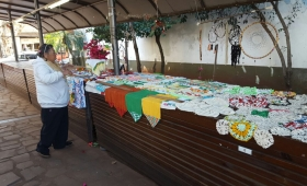 Feria de artesanías, todos los días en el Bosetti