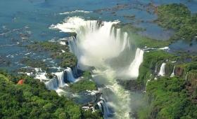 Economía en vacaciones: solo Iguazú registra reactivación