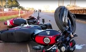 Violento choque de motos en Itaembé Guazú