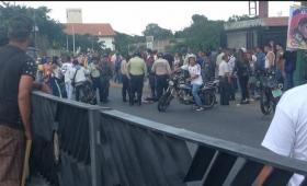 Ataque de un grupo paramilitar en medio del plebiscito opositor: 2 muertos