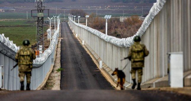 Turquía construye un muro en frontera con Siria