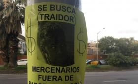 Aparecen carteles contra Neymar en el Camp Nou