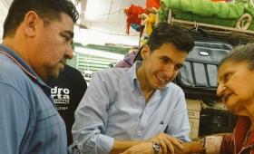 Pedro Puerta recorrió el Mercado Modelo La Placita