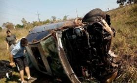 Paraguay: despistó, dio siete vueltas y salió ileso