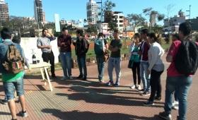 Estudiantes reclamaron por los albergues en plena Expo Universitaria