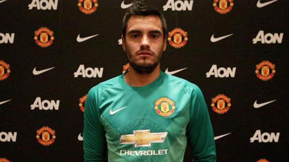 Manchester United pasa a comandar Liga inglesa de fútbol