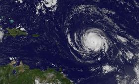 Tras su paso por el Caribe, el huracán Irma se aproxima a Florida