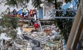 Ascienden a 324 los muertos por el terremoto