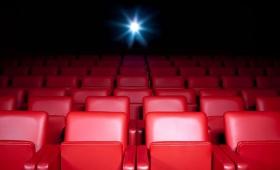 Un cine abastecido con energía solar