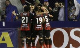 Patronato alcanzó la punta ante Atlético Tucumán