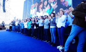 Cristina Kirchner relanzó su campaña y pidió el voto opositor