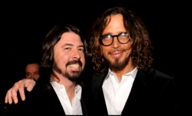 Foo Fighters tributó a Chris Cornell con dulce gesto sobre el escenario