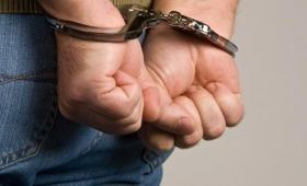 Estafador mordió a los policías para evitar ser detenido