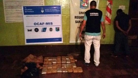 Capturaron a narco cuando huía con 40 kilos de marihuana