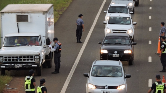 Intenso control policial en Acceso Sur