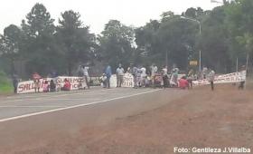 Montecarlo: desalojados cortaron la ruta 12