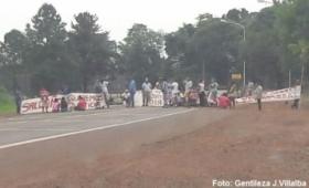 """Montecarlo: 22 días de acampe de familias """"okupas"""""""