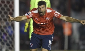 Independiente pasó a Libertad y sueña en la Copa