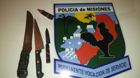 """Tres menores detenidos por """"atemorizar un vecindario con cuchillos"""""""