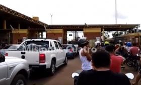 Comerciantes piden reglas claras en el cruce del puente