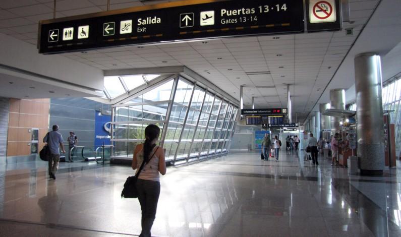 Aerolíneas reprograma vuelos por el paro de la CGT