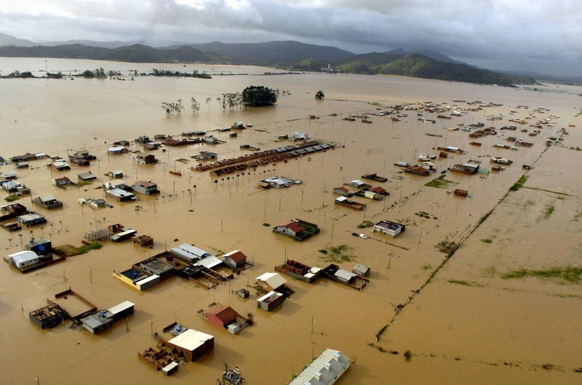 Intensas lluvias afectan a poblaciones del sur brasileño