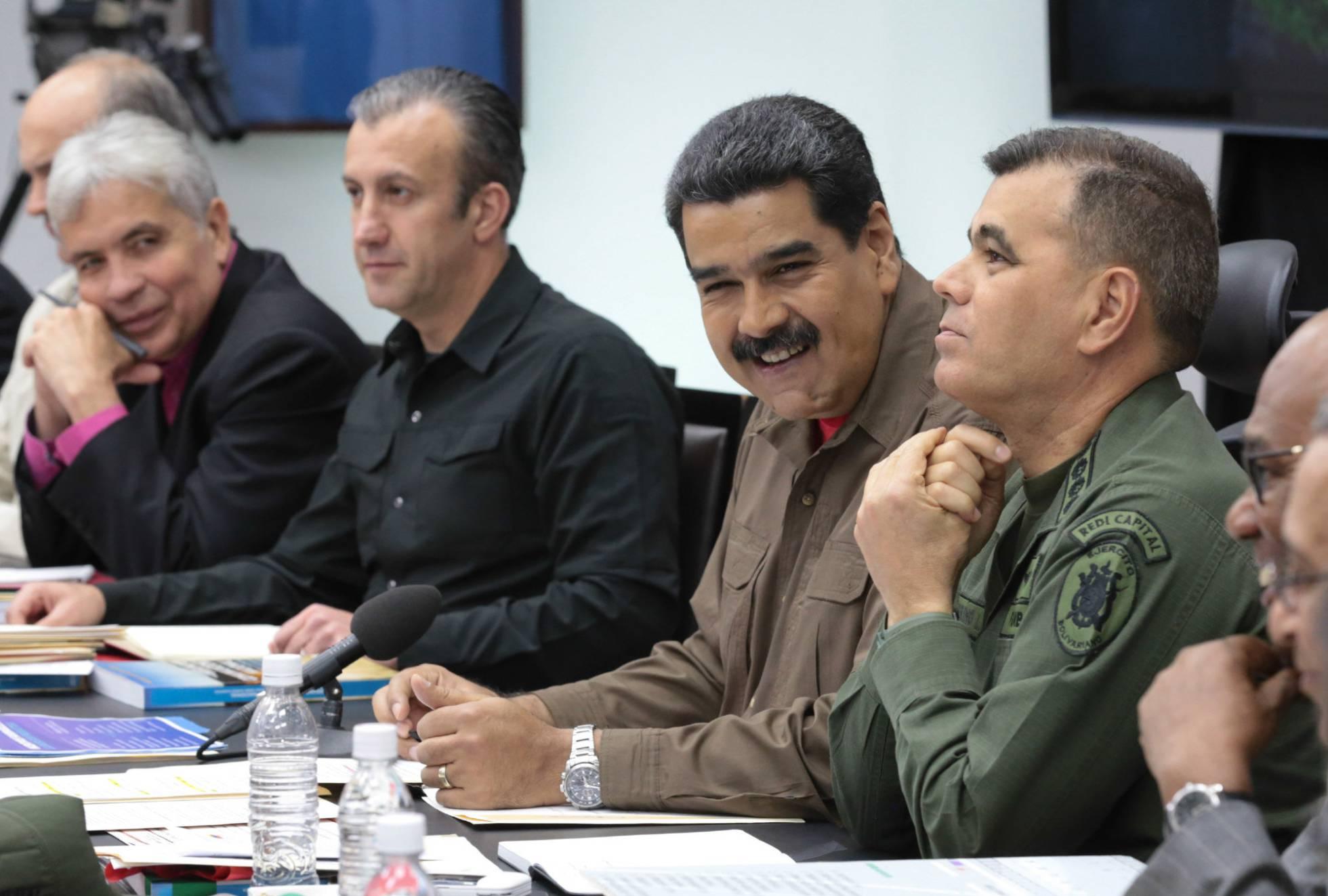 Maduro ordenó cerrar comunicaciones con Aruba, Bonaire y Curazao